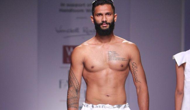 [Calentador India] el futbolista hasta la rampa de estilo modelo: Viaje Susegad un goan